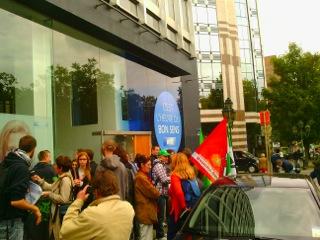 Bruxelles : rassemblement devant les locaux du MR