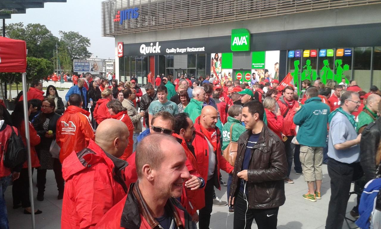 Décathlon – Evere : présence massive de syndicalistes contre les manœuvres de la direction