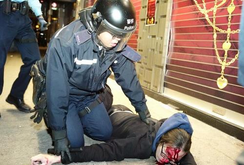 Hong Kong: Émeutes du nouvel an à Mong Kok