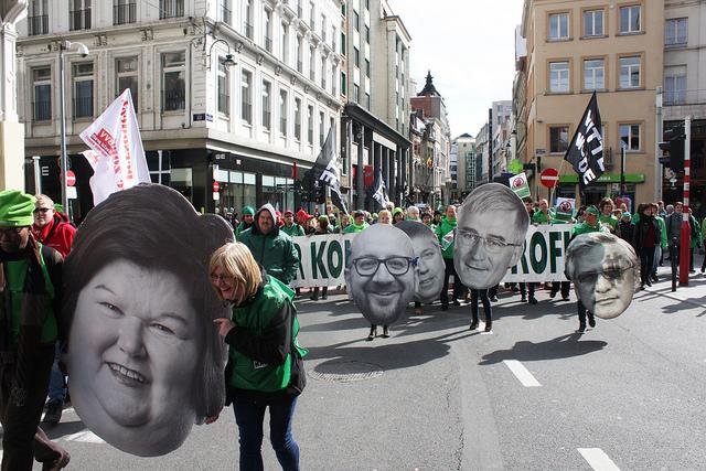 Manifestation massive du non-marchand à Bruxelles