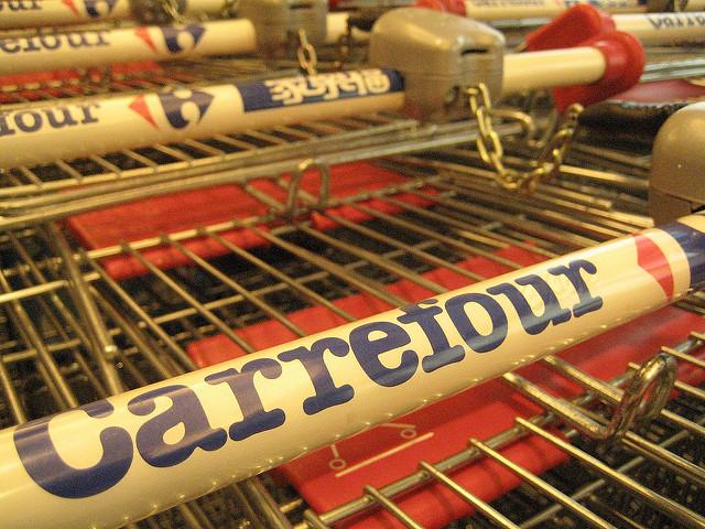 Restructuration chez Carrefour. Quand le secteur de la distribution sortira-t-il de cette spirale infernale?