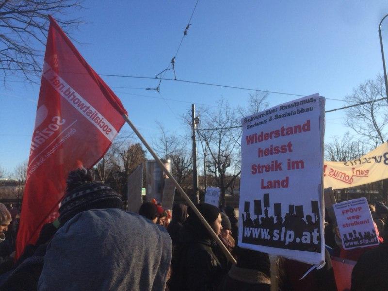 Le nouveau gouvernement autrichien immédiatement confronté à la résistance