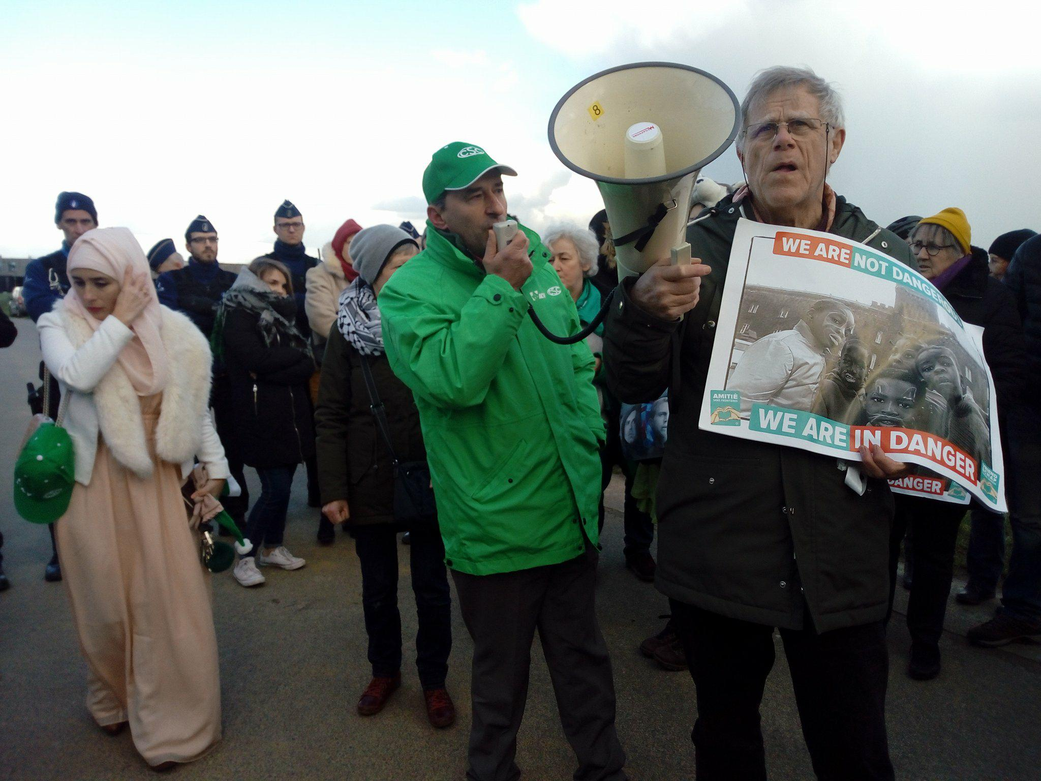 Rassemblement au centre fermé de Steenokkerzeel suite à une nouvelle opération d'arrestation de sans-papiers