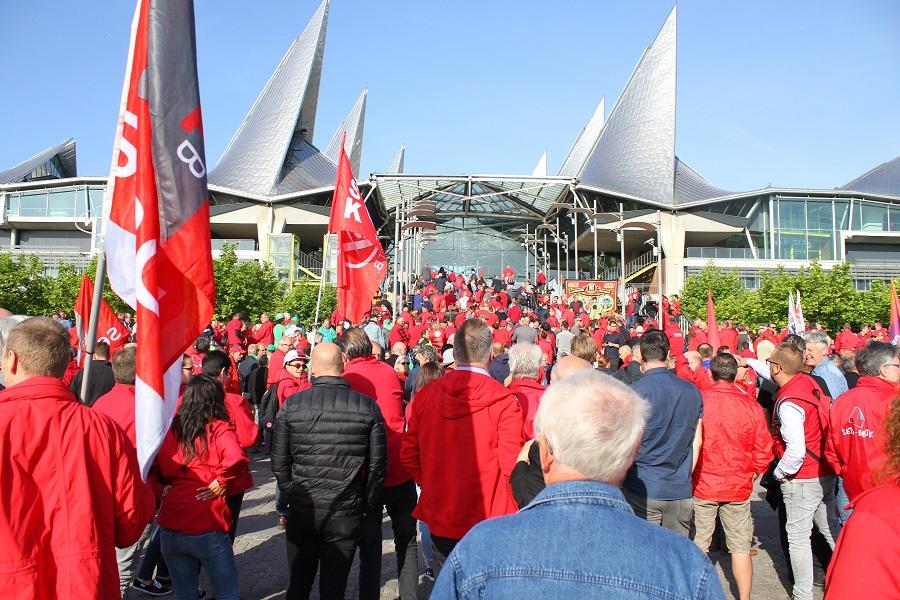 Rassemblement au tribunal correctionnel d'Anvers : bas les pattes du droit de grève!