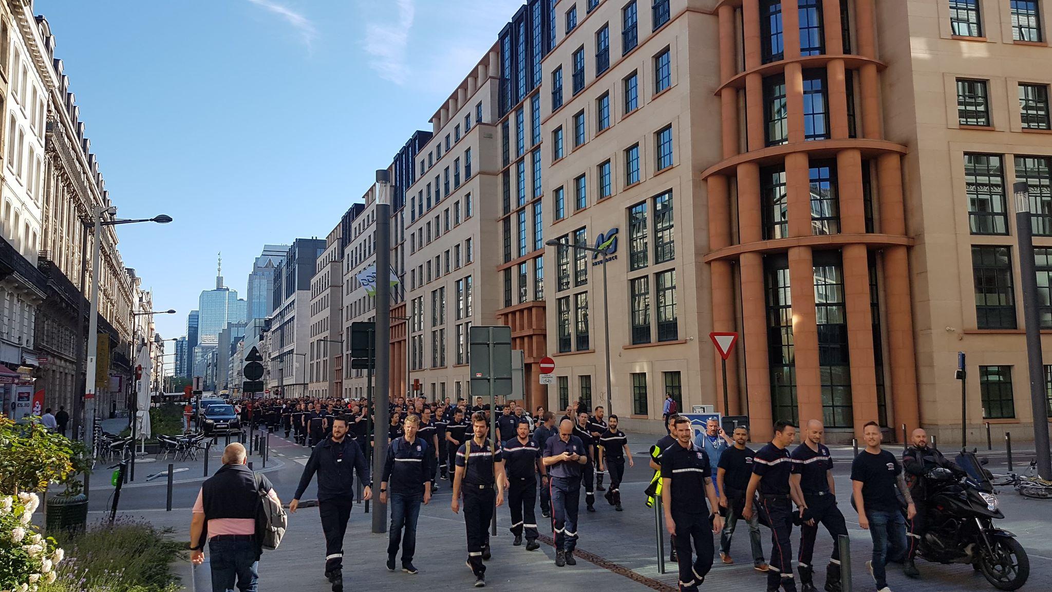 Bruxelles. Les pompiers ripostent pour défendre leurs primes de garde et de spécialisation