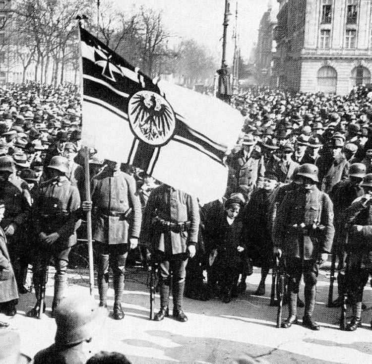 Le Putsch de Kapp (1920): 12 millions de grévistes stoppent un coup d'état militaire de droite