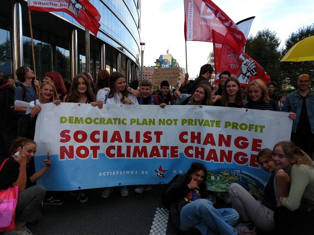 Bruxelles. Une manifestation dynamique pour la 3e journée internationale de grève pour le climat.