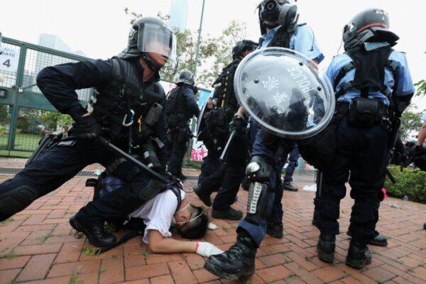 Une loi d'urgence répressive adoptée à Hong Kong