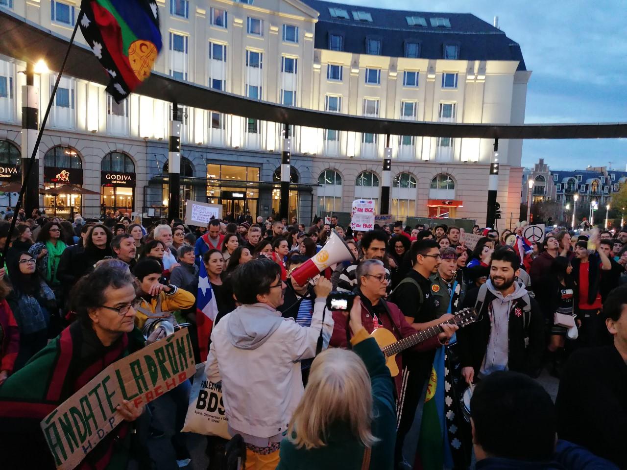 Des centaines de manifestants solidaires de la lutte du peuple chilien à Bruxelles