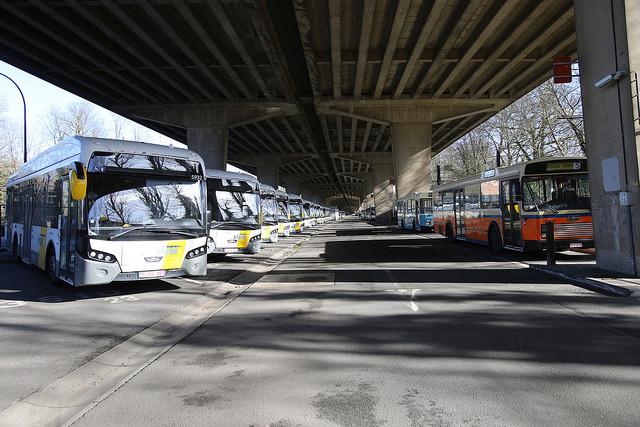 Le gouvernement flamand détruit les transports en commun. Et tant pis pour le climat…