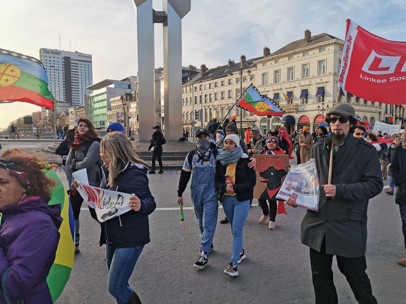 [PHOTOS] Marche latino-américaine contre le néolibéralisme