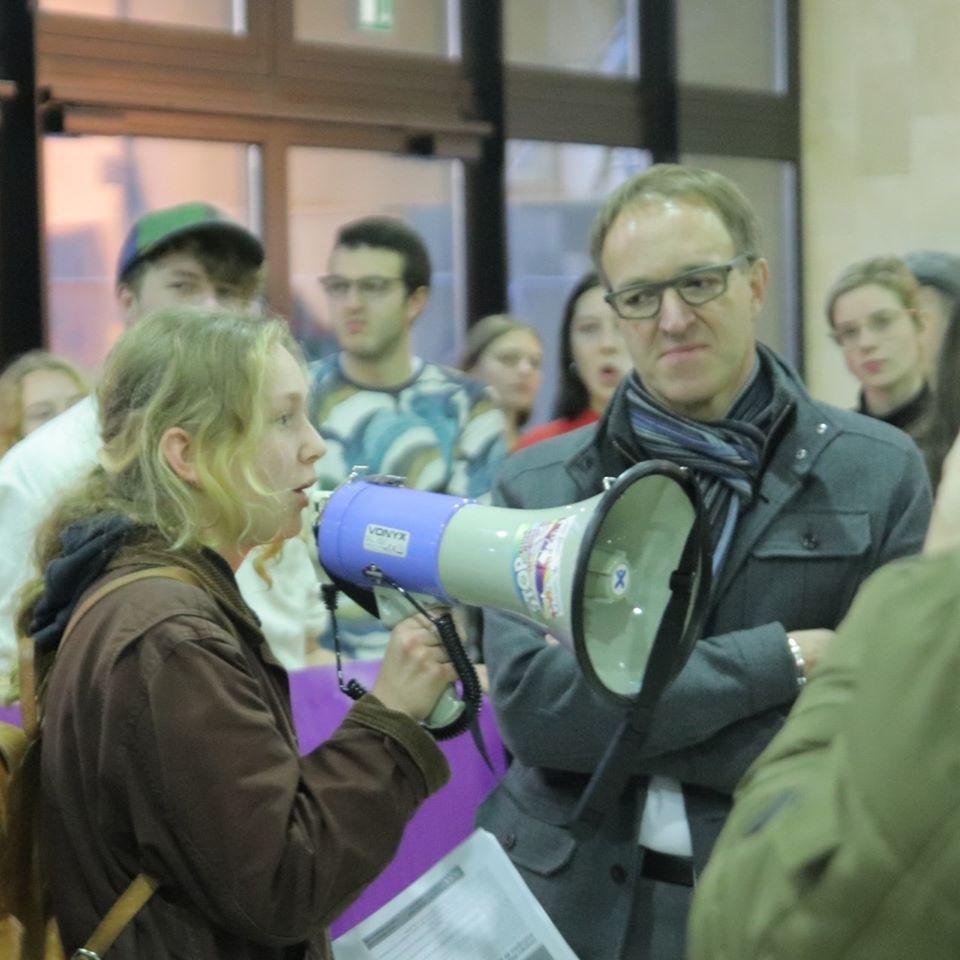 L'UGent sermonne légèrement le KVHV et refuse de prendre ses responsabilités